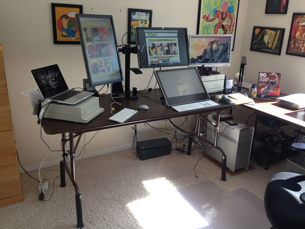 desk_with_lyt